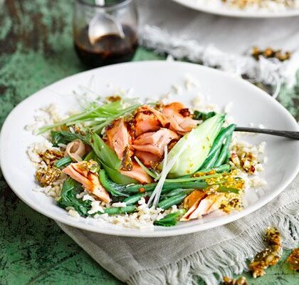 steamed-salmon-veg-rice-bowl
